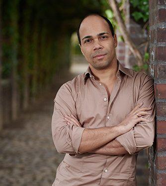 Daniel Ochoa, Bass