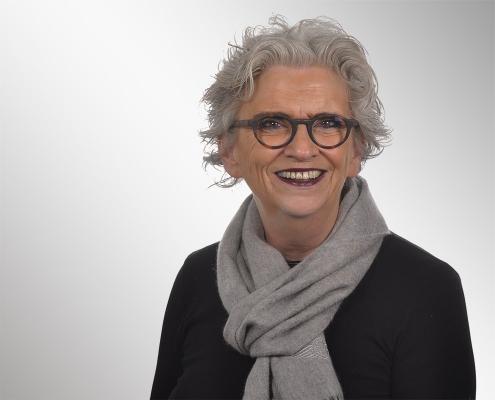 Frau Prof. Dr. Müller -Forell