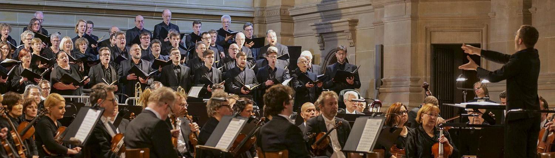 Erik Reinhardt dirigiert Brahms